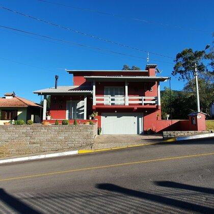 Casa com 2 quartos e 1 suíte em Picada Café, na Serra Gaúcha