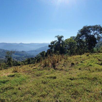 Área de terras com linda vista em Picada Café, na Serra Gaúcha.