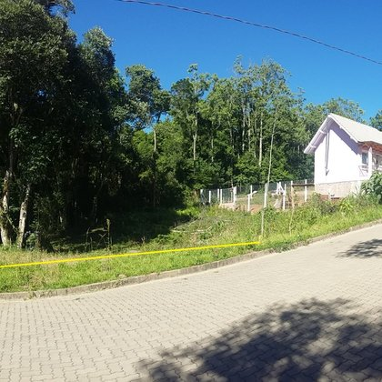 Terreno com 360,00 m² ao lado de APP, situado no Bairro BR-116, Município de Nova Petrópolis-RS.
