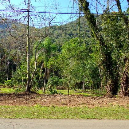 Terreno com área de 462,00m², localizado no Bairro Kaffe Eck, Município de Picada Café-RS.