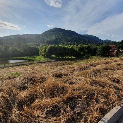 Terreno com área de 375,88 m², localizado no bairro Joaneta, município de Picada Café-RS