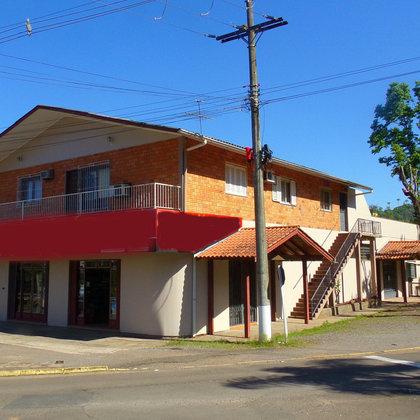 Terreno de esquina com 3.800,00 m², as margens da BR 116, no município de Picada Café – RS.
