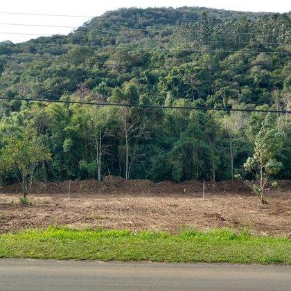 Terreno com área de 471,90 m², situado no bairro Kaffee Eck, município de Picada Café-RS