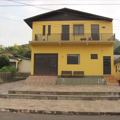 Sala comercial localizada no bairro Bela Vista, município de Picada Café-RS