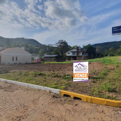 Terreno com área de 424,09 m², localizado no bairro Centro, município de Picada Café-RS.