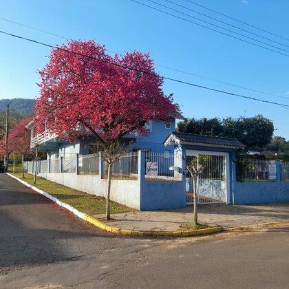 Casa com 05 quartos em Picada Café na serra gaúcha