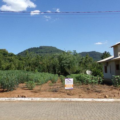 Terreno plano localizado no município de Picada Café, na Serra Gaúcha