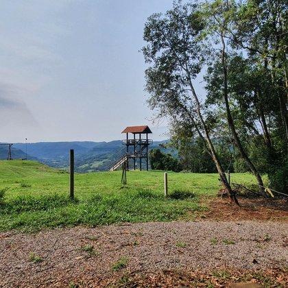 Área de terras totalmente plana em Picada Café na serra gaúcha