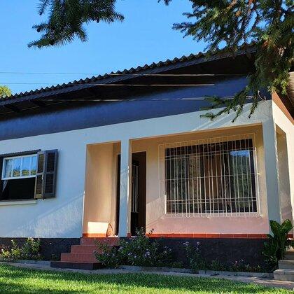 Casa com amplo pátio e 3 quartos em Picada Café, na Serra Gaúcha