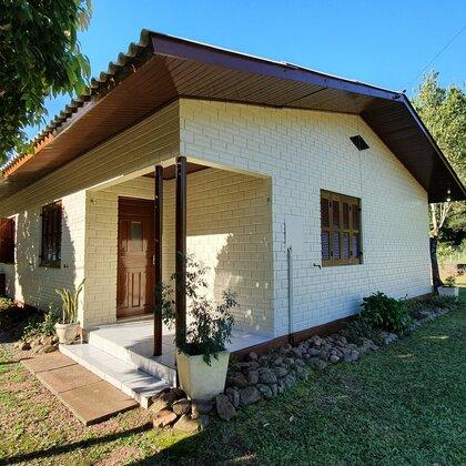 Casa com quatro quartos e açude em Picada Café, na Serra Gaúcha