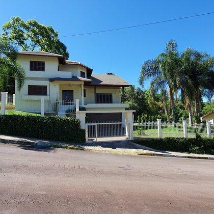 Casa com piscina e 4 quartos em Picada Café na Serra Gaúcha