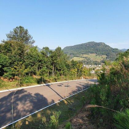 Terreno com fundos para Área Verde e linda vista em Picada Café, na Serra Gaúcha