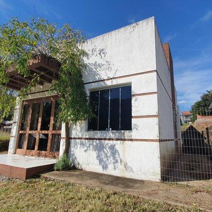 Residência com 42,80 m², localizada no bairro Joaneta, município de Picada Café-RS.