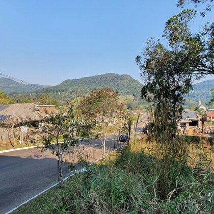 Terreno com fundos para Área Verde em Picada Café, na Serra Gaúcha