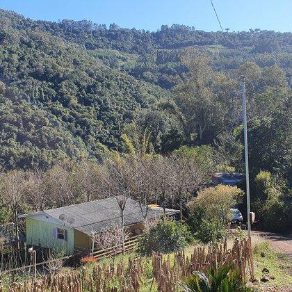 Sítio com cabana e margeado por arroio em Picada Café, na Serra Gaúcha