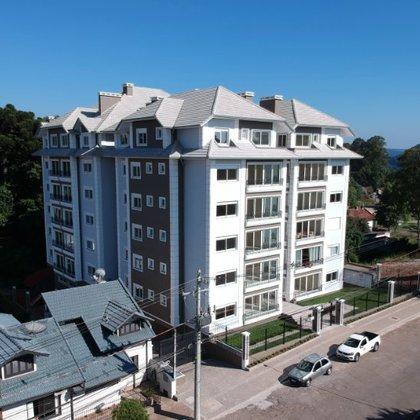 Apartamentos de alto padrão com até 3 suítes no RESIDENCIAL CONDADO DE PETRÓPOLIS, centro de Nova Petrópolis-RS, à uma quadra da Praça das Flores.