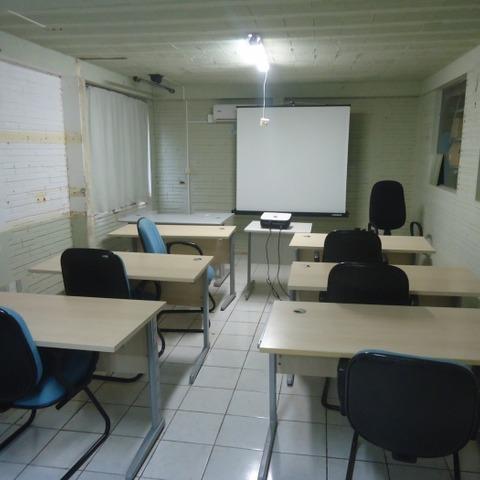 Prédio Comercial localizado no bairro Centro, município de Presidente Lucena - RS.