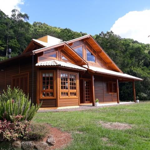 Sítio com 4.173,20 m² e residência com 3 dormitórios, localizado no Bairro Walachai, Município de Morro Reuter-RS.
