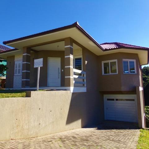 Residência com 3 dormitórios, localizada no Bairro BR-116, Município de Nova Petrópolis-RS.
